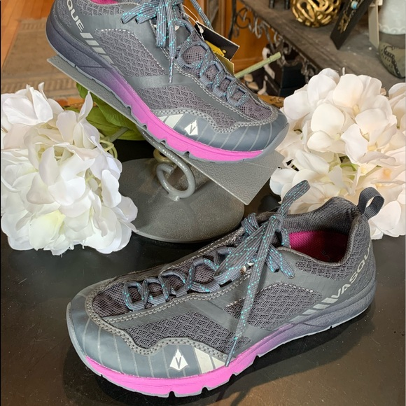 Vasque Shoes - Vasque hiking shoe. New with tags!